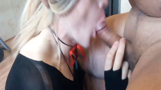 Gay Xnxx - crossdresser lizza sucking twink