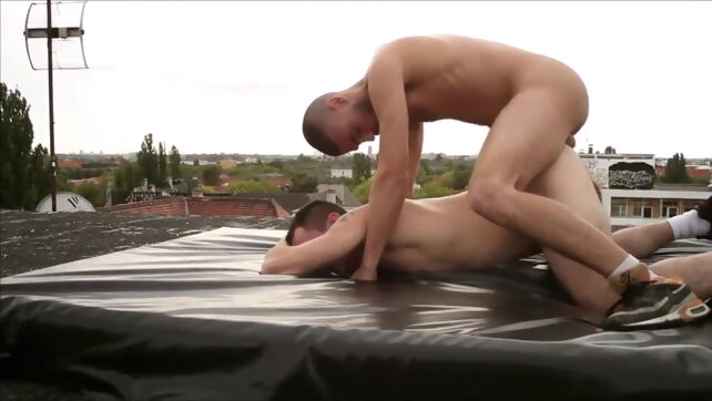 Gay Xnxx - Raw in Berlin bareback