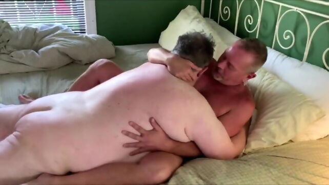 Gay Xnxx - Chub Bear Fucked Outdoor and Indoors bareback