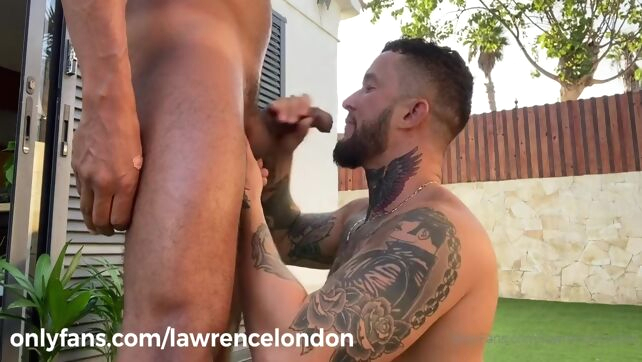 Gay Xnxx - Lawrence London - Sucking Latino big cock