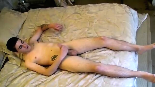 Gay Xnxx - Free gay man masturbates first time A Toe Sucking Solo amateur